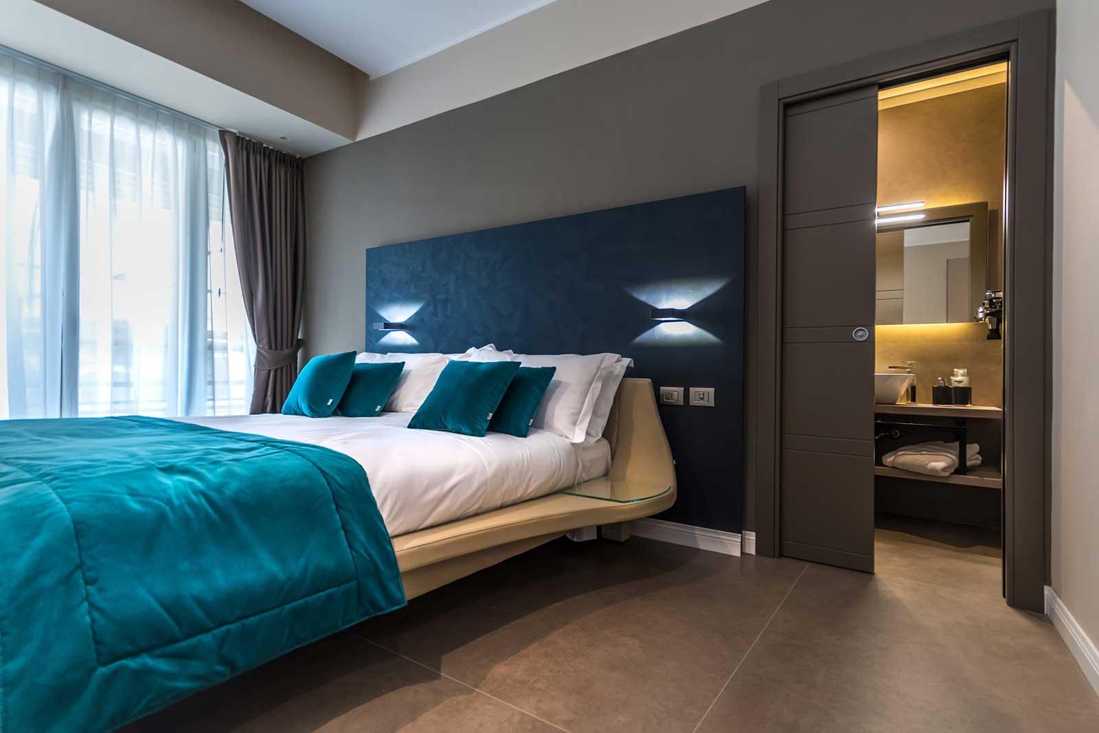 Camera e bagno Matilde lifestyle Hotel Napoli