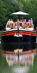 Cruising on the river Yonne