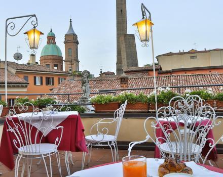 Hotel con terrazze panoramiche vista Torri Asinelli a Bologna  Hotel San Donato