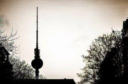 berliner fernsehturm am alexanderplatz - hotelsuche.de