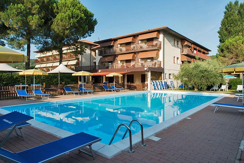 La Piscina di Hotel Torricella  Hotel Torricella