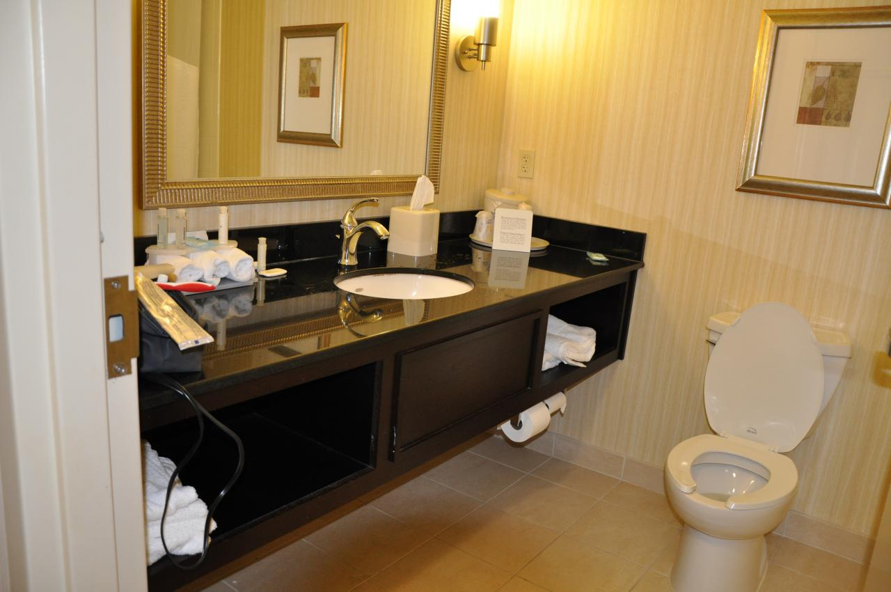 IGIINC  Hotel Vanities Call Special  5 ft wall to wall