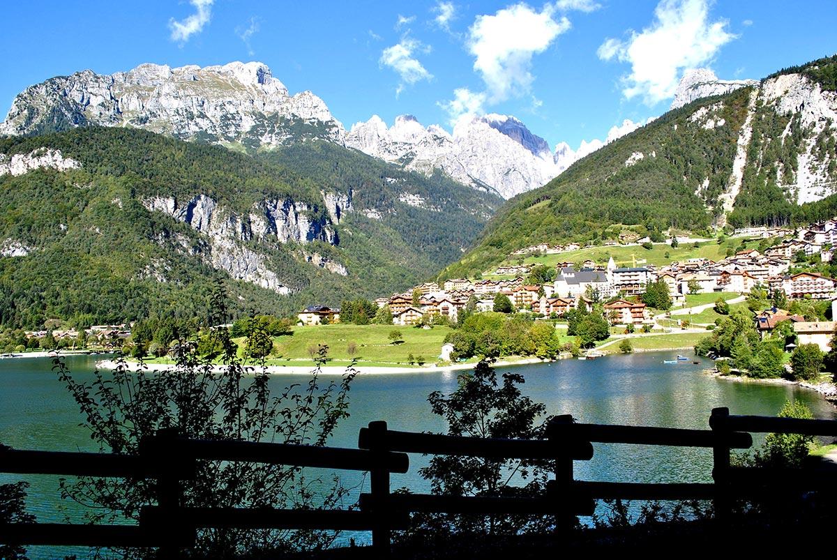 Lago di Molveno Dolomiti di Brenta escursioni e passeggiate