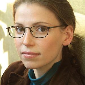Sophie Easlake - Audiobook Narrator- Hot Listens