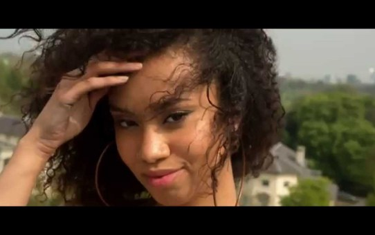 VIDEO: Papi – One Time