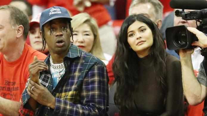 021f70b2d40 Kylie Jenner Gifted Travis Scott A Cake Resembling His Air Jordan 1 ...