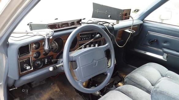 039 1988 plymouth gran fury ohio state highway patrol interior