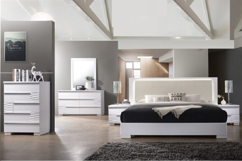 Beige & White Cal.King Size 1pc Bedroom Bed | Hot Sectionals