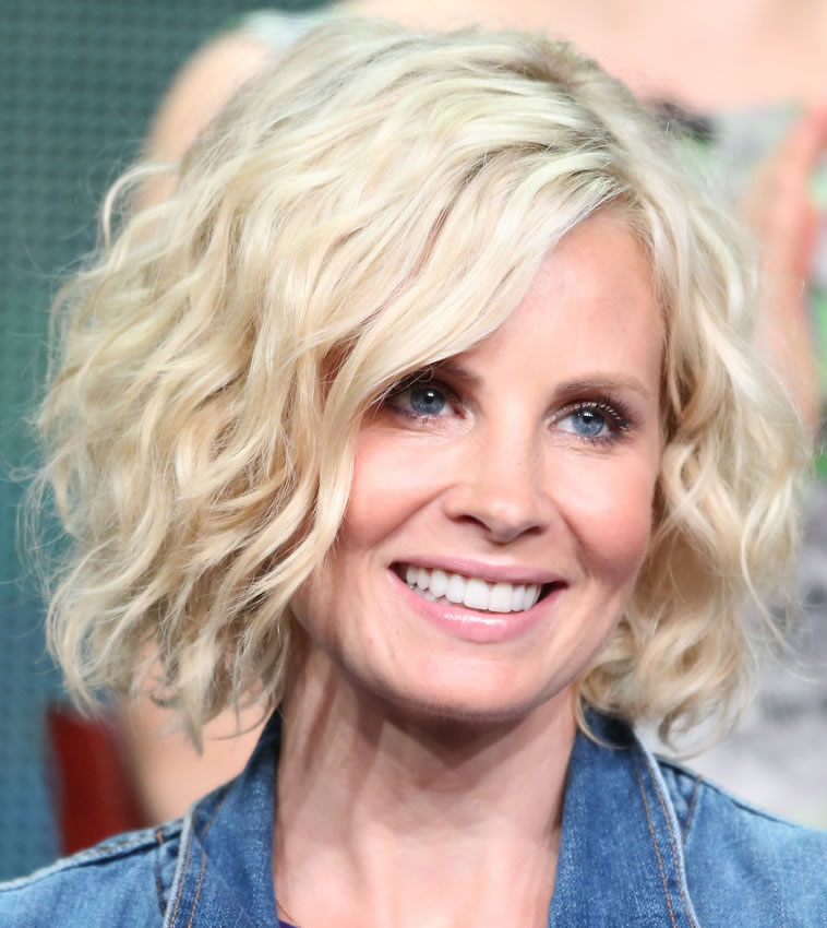 25 Most Youthful Hairstyles For Older Women 2020 Haircuts