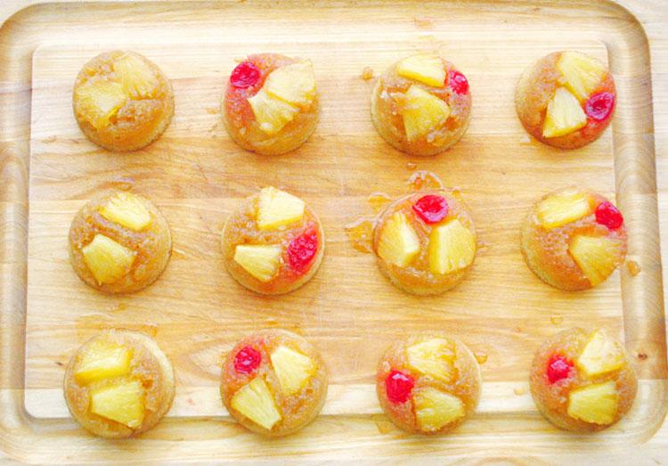 pineappleupsidedowncupcakes