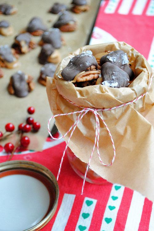 Pecan-Caramel-Turtles-Gift-