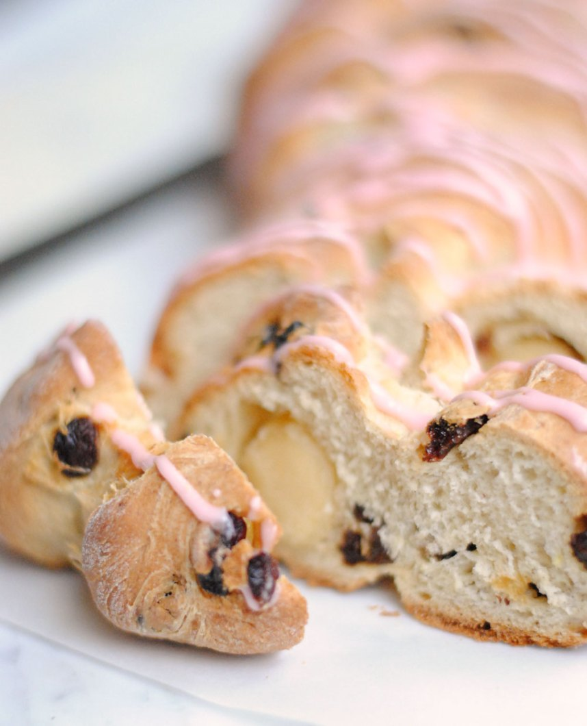 Paasbrood: Dutch Easter Bread | Hottie Biscotti