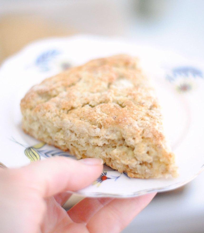 Toasted Oat Scones | Hottie Biscotti