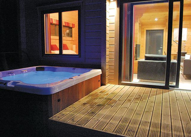 Luxury Hotels In Manchester With Hot Tub In Room