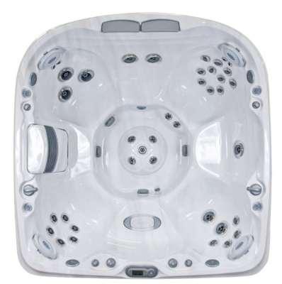 Jacuzzi J-470 hot tub