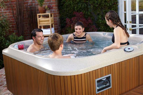 How much it costs to run a hot tub?