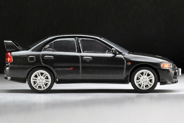 Tomytec-Tomica-Limited-Vintage-LV-N186b-Mitsubishi-Lancer-GSR-Evolution-IV-Noire-007
