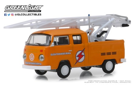 GreenLight-Collectibles-Club-V-Dub-9-1972-Volkswagen-Type-2-Double-Cab-Pickup-Ladder-Truck