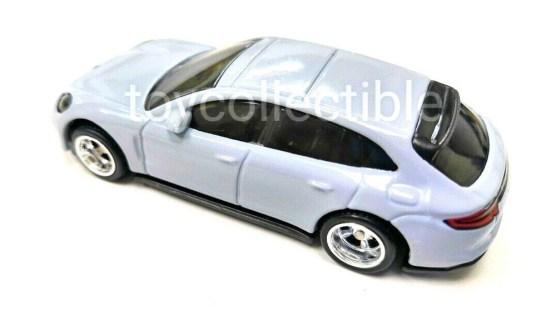 Hot-Wheels-2019-Porsche-Panamera-Turbo-S-E-Hybrid-Sport-Turismo-001