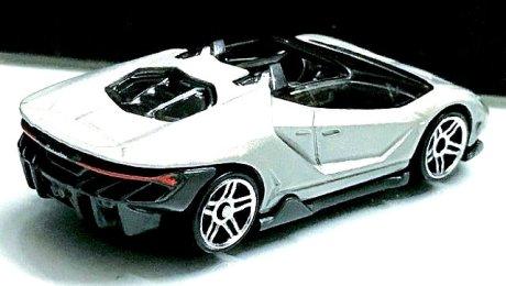 Hot-Wheels-Lamborghini-Centenario-Roadster-2