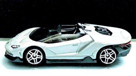 Hot-Wheels-Lamborghini-Centenario-Roadster-3