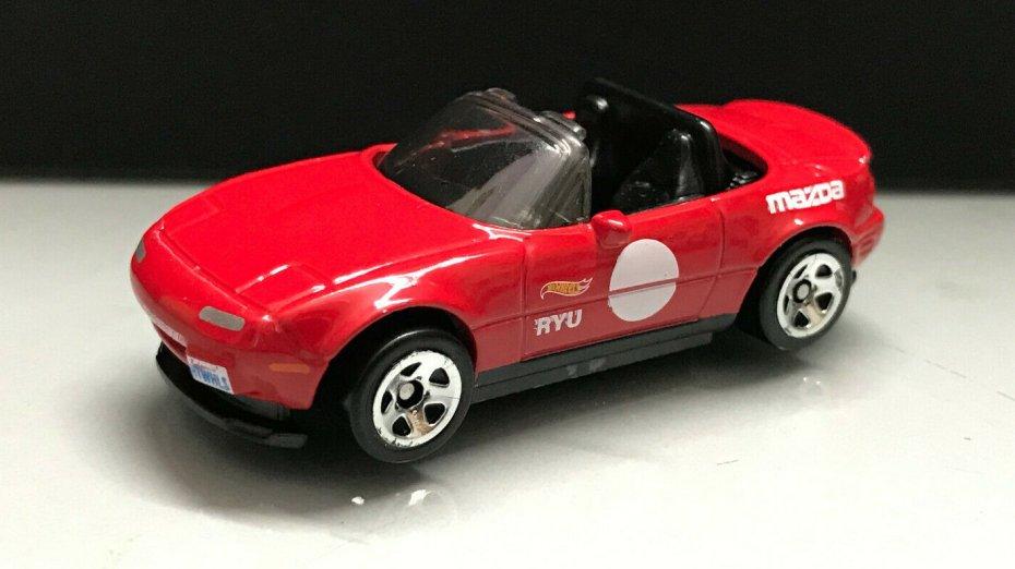 Hot-Wheels-91-Mazda-MX-5-Miata-001