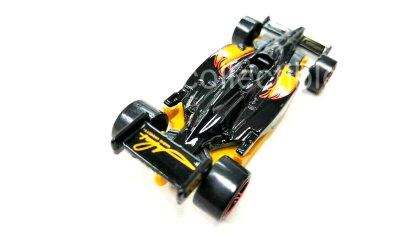 Hot-Wheels-Indy-500-Oval-Mario-Andretti-004