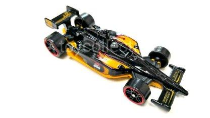 Hot-Wheels-Indy-500-Oval-Mario-Andretti-005
