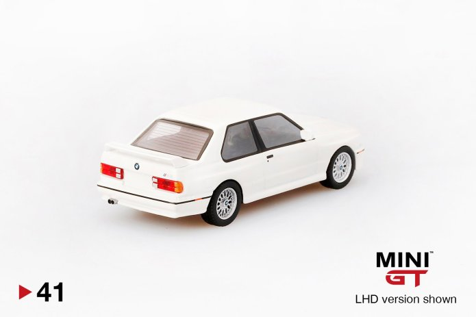 Mini-GT-BMW-M3-E30-alpine-white-2