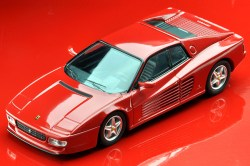 Tomica-Limited-Vintage-Neo-Ferrari-512TR-1