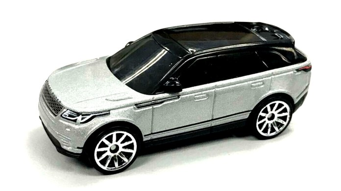 Hot-Wheels-2019-Range-Rover-Velar-001