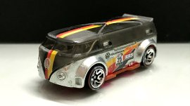 Hot-Wheels-id-Volkswagen-T1-GTR-7
