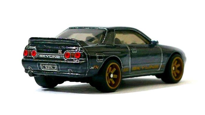 Hot-Wheels-2020-Super-Treasure-Hunt-Nissan-Skyline-GT-R-R32-002