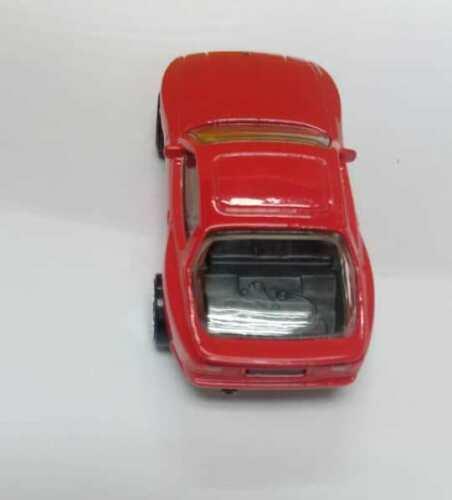 Hot-Wheels-89-Porsche-944-Turbo-002