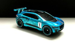 Hot-Wheels-id-Jaguar-I-Pace-eTrophy-001