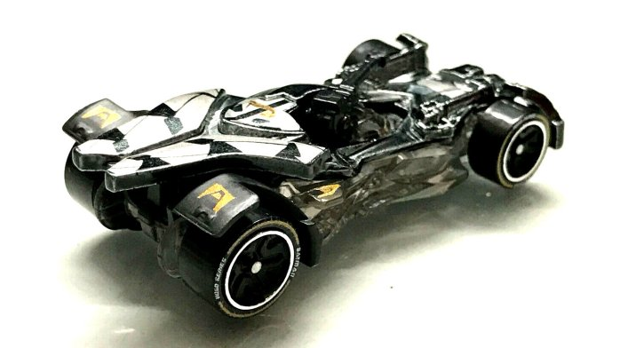 Hot-Wheels-id-Justice-League-Batmobile-2