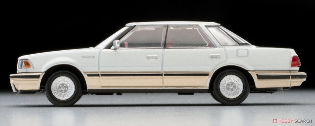 Tomica-Limited-Vintage-Toyota-Crown-3-Royal-Saloon-G-Pearl-003