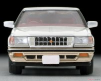 Tomica-Limited-Vintage-Toyota-Crown-3-Royal-Saloon-G-Pearl-005