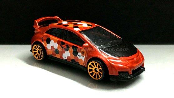 Hot-Wheels-16-Honda-Civic-Type-R-camouflage-002