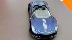 Hot-Wheels-2020-Super-Treasure-Hunt-Porsche-918-Spyder-002