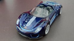 Hot-Wheels-2020-Super-Treasure-Hunt-Porsche-918-Spyder-003