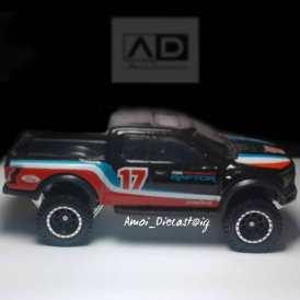 Hot-Wheels-Car-Culture-Desert-Rally-17-Ford-F-150-Raptor