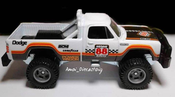 Hot-Wheels-Car-Culture-Desert-Rally-80-Dodge-Macho-Power-Wagon