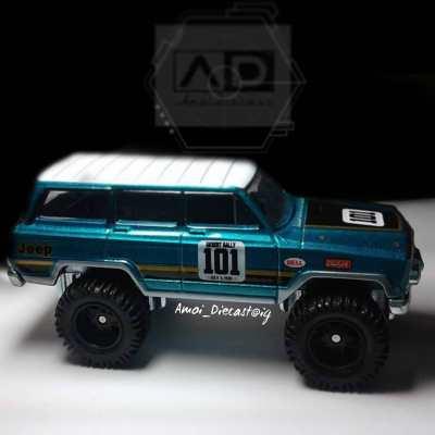 Hot-Wheels-Car-Culture-Desert-Rally-88-Jeep-Grand-Wagoneer