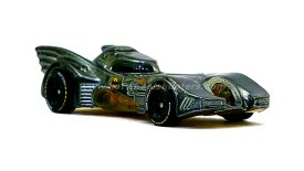 Hot-Wheels-id-Batmobile-Batman-Returns-001