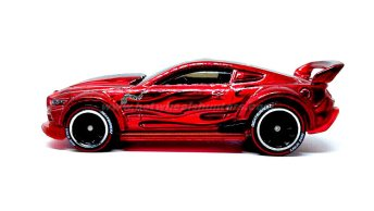 Hot-Wheels-id-Custom-15-Ford-Mustang-002