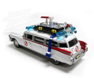 Johnny-Lightning-Ghosbusters-Ecto-1-003