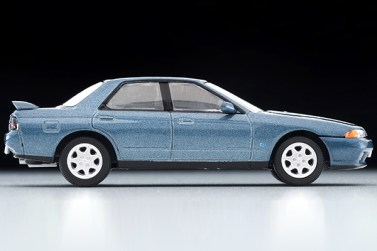 Tomica-Limited-Vintage-Neo-Nissan-Skyline-GTS25-TypeX-G-Green-005