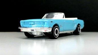 Hot-Wheels-65-Mustang-Convertible-001