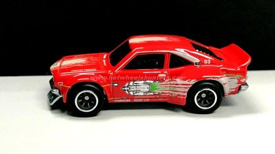 Hot-Wheels-Fast-Rewind-Mazda-RX-3-002